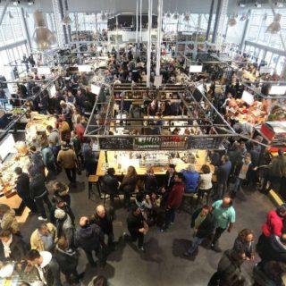 Bordeaux 12/11/2017  Les halles de Bacalan  Premier dimanche d'ouverture pour le marché couvert de bacalan.  Forte affluence pour ce dimanche matin. 20171112_photo_QS2_2820